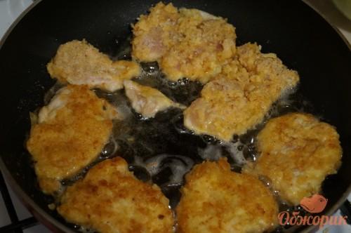 Приготовление куриных наггетсов