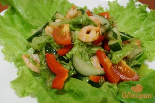 Легкий салат с креветками рецепт