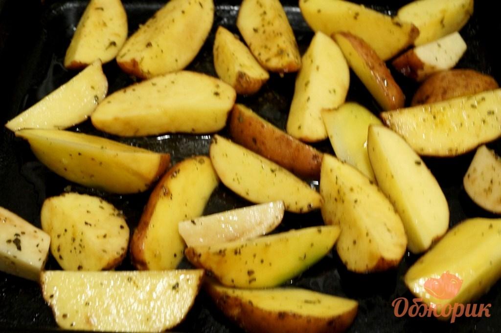 Картофель по креольски в духовке