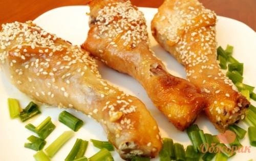 Куриные голени с медом и кунжутом
