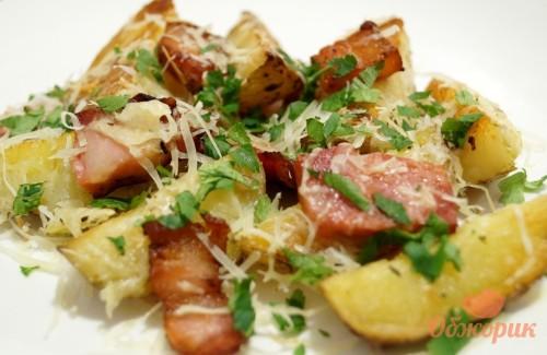 Картофель запеченный с беконом рецепт