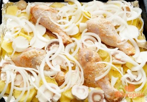 Приготовление куриных голеней с картошкой и грибами в духовке