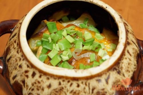 Картошка с беконом в горшочках