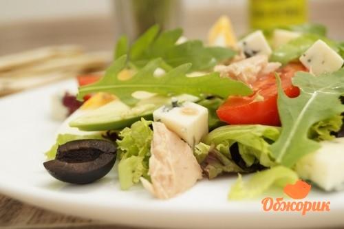 Салат с тунцом и авокадо рецепт