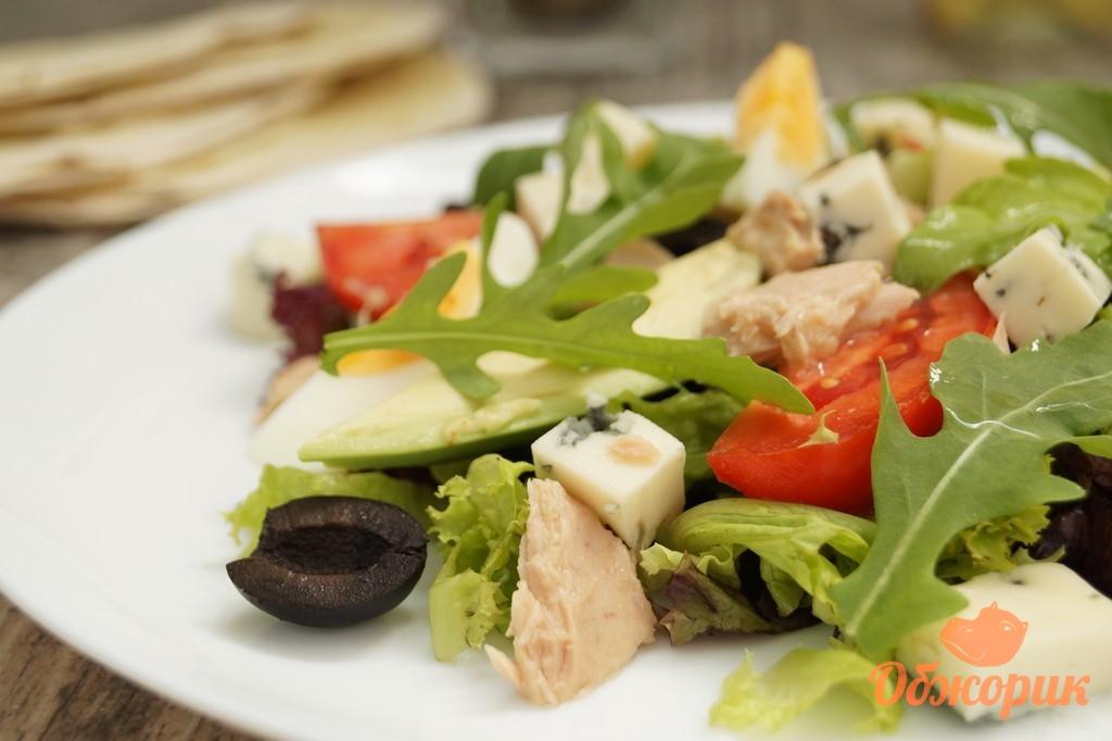 салат из свежего тунца с авокадо рецепт
