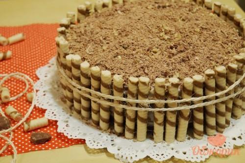 Торт с вафельными трубочками